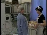 Горничная сделала хозяйке жесткий фистинг